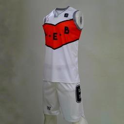Les nouveaux maillots seniors de @lille_est_basket désigné par un petit licencié 🤩👏 #leb #lille #basketball #sublimationprinting #lilleest